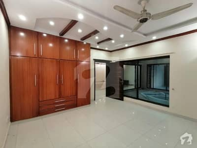 2 Kanal Luxurious Bungalow Full House  For Rent In Phase 3 Dha