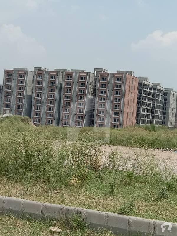 آئی ۔ 12 اسلام آباد میں 8 مرلہ رہائشی پلاٹ 1 کروڑ میں برائے فروخت۔