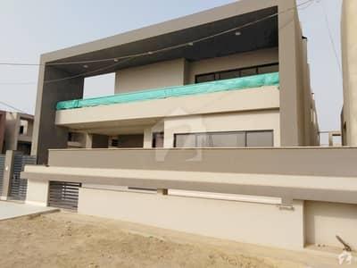 بحریہ پیراڈائز بحریہ ٹاؤن کراچی کراچی میں 5 کمروں کا 1 کنال مکان 2.9 کروڑ میں برائے فروخت۔