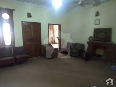 حیات آباد فیز 1 - ای2 حیات آباد فیز 1 حیات آباد پشاور میں 7 کمروں کا 1 کنال مکان 4.2 کروڑ میں برائے فروخت۔