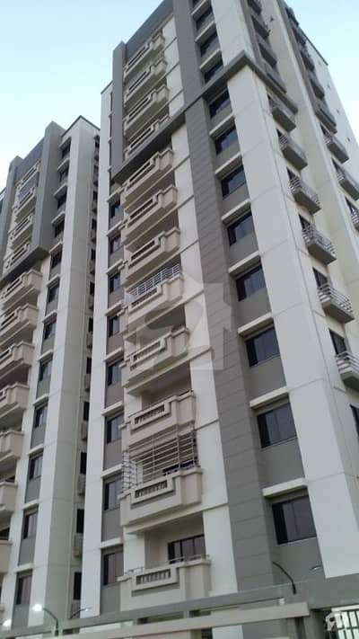 جناح ایونیو کراچی میں 4 کمروں کا 9 مرلہ فلیٹ 1.7 کروڑ میں برائے فروخت۔