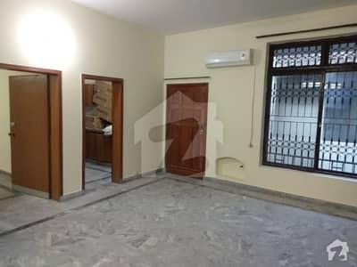 مین بلیوارڈ ڈی ایچ اے ڈیفینس ڈی ایچ اے ڈیفینس لاہور میں 3 کمروں کا 10 مرلہ مکان 55 ہزار میں کرایہ پر دستیاب ہے۔