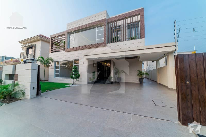 Amazing Good offer for 1 Kanal Villa in Phase 4