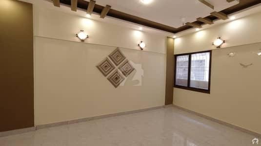 گلستانِِ جوہر ۔ بلاک 17 گلستانِ جوہر کراچی میں 3 کمروں کا 6 مرلہ فلیٹ 95 لاکھ میں برائے فروخت۔