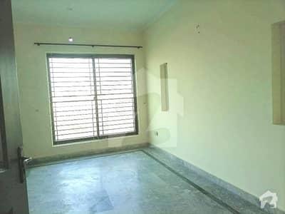 ڈی ایچ اے فیز 4 - بلاک ڈبل ای فیز 4 ڈیفنس (ڈی ایچ اے) لاہور میں 2 کمروں کا 7 مرلہ بالائی پورشن 30 ہزار میں کرایہ پر دستیاب ہے۔