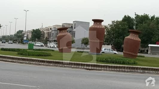 بحریہ ٹاؤن ۔ بلاک اے اے بحریہ ٹاؤن سیکٹرڈی بحریہ ٹاؤن لاہور میں 8 مرلہ کمرشل پلاٹ 4.5 کروڑ میں برائے فروخت۔