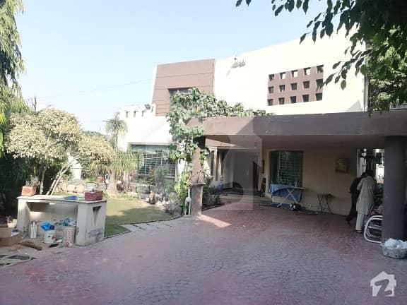 ڈی ایچ اے فیز 3 - بلاک ایکس فیز 3 ڈیفنس (ڈی ایچ اے) لاہور میں 5 کمروں کا 1.2 کنال مکان 3.5 کروڑ میں برائے فروخت۔