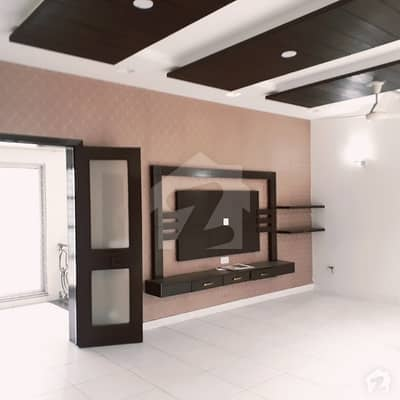 Spacious Upper Portion Is Available In Dha Phase 7 For Rent