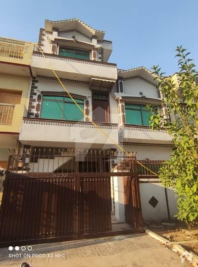 جی ۔ 13/4 جی ۔ 13 اسلام آباد میں 3 کمروں کا 4 مرلہ مکان 1.65 کروڑ میں برائے فروخت۔