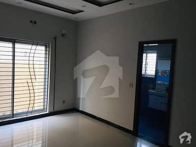 10 Marla House Avaialable