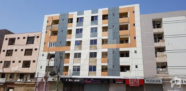 بخاری کمرشل ایریا ڈی ایچ اے فیز 6 ڈی ایچ اے ڈیفینس کراچی میں 3 کمروں کا 6 مرلہ فلیٹ 1.6 کروڑ میں برائے فروخت۔