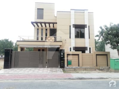 10 Marla Beautiful House For Rent In Tulip Block Sector C Bahria Town Lahore