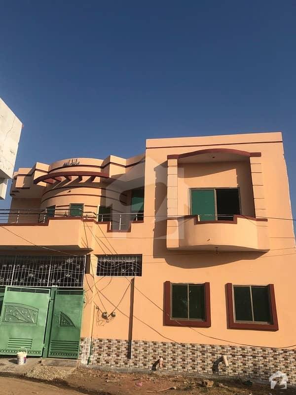 ماڈل ٹاؤن منڈی بہاؤالدین میں 6 کمروں کا 10 مرلہ مکان 1.3 کروڑ میں برائے فروخت۔