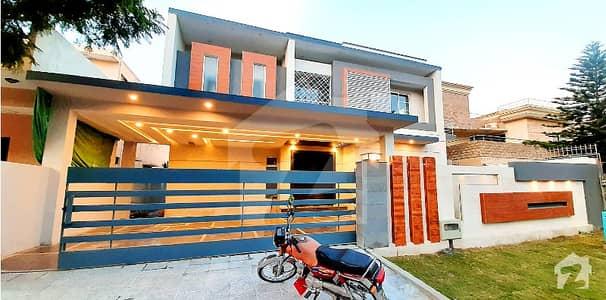 ڈی ایچ اے ڈیفینس فیز 1 ڈی ایچ اے ڈیفینس اسلام آباد میں 6 کمروں کا 1 کنال مکان 1.9 لاکھ میں کرایہ پر دستیاب ہے۔