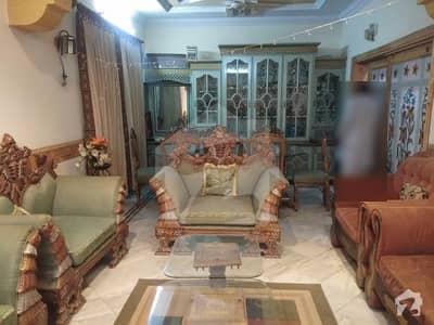 آفیسرز کالونی 2 فیصل آباد میں 4 کمروں کا 10 مرلہ مکان 2.1 کروڑ میں برائے فروخت۔