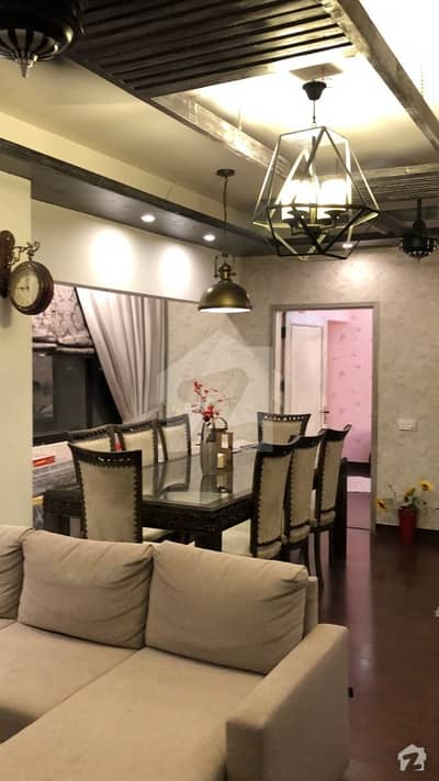 In Clifton 2200  Square Feet Flat For Sale