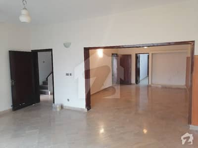 F 7 Double Storey House 3 Beds Marbled Flooring Nice Lawn Rent 2 Lac