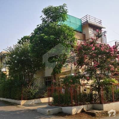جی ۔ 6 مرکز جی ۔ 6 اسلام آباد میں 5 کمروں کا 6 مرلہ مکان 2.9 کروڑ میں برائے فروخت۔