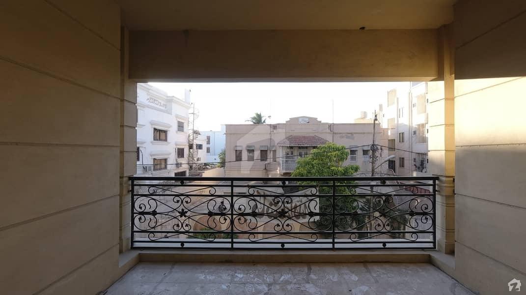 کوسموپولیٹن سوسائٹی کراچی میں 4 کمروں کا 15 مرلہ فلیٹ 4.85 کروڑ میں برائے فروخت۔