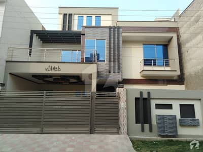 شادمان سٹی فیز 2 شادمان سٹی بہاولپور میں 4 کمروں کا 10 مرلہ مکان 1.65 کروڑ میں برائے فروخت۔