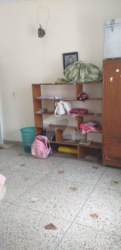 جی ۔ 9/1 جی ۔ 9 اسلام آباد میں 5 کمروں کا 11 مرلہ مکان 80 ہزار میں کرایہ پر دستیاب ہے۔