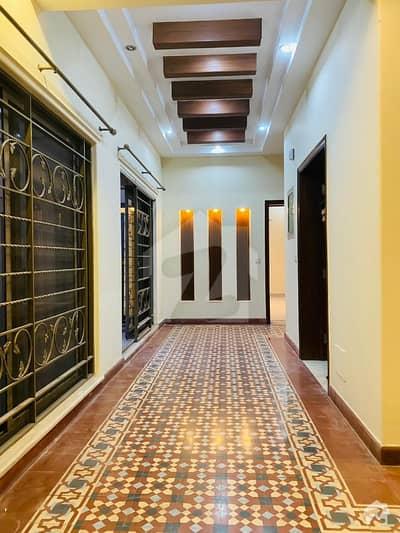 ڈی ایچ اے فیز 4 ڈیفنس (ڈی ایچ اے) لاہور میں 4 کمروں کا 10 مرلہ مکان 85 ہزار میں کرایہ پر دستیاب ہے۔