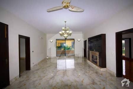 ڈی ایچ اے فیز 5 ڈیفنس (ڈی ایچ اے) لاہور میں 3 کمروں کا 1 کنال بالائی پورشن 63 ہزار میں کرایہ پر دستیاب ہے۔