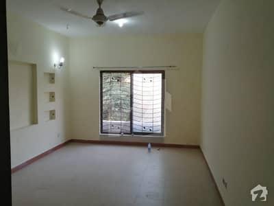 بحریہ ٹاؤن اوورسیز B بحریہ ٹاؤن اوورسیز انکلیو بحریہ ٹاؤن لاہور میں 4 کمروں کا 8 مرلہ مکان 1.65 کروڑ میں برائے فروخت۔