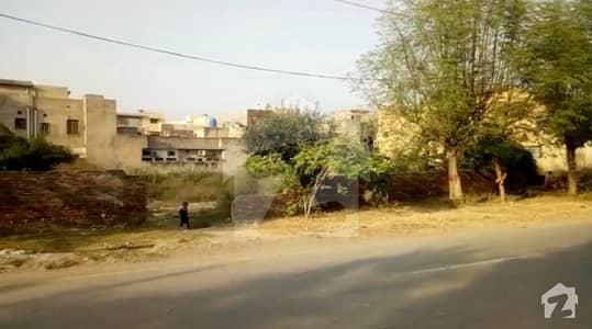 جوہر ٹاؤن فیز 2 - بلاک ایل جوہر ٹاؤن فیز 2 جوہر ٹاؤن لاہور میں 2 کنال رہائشی پلاٹ 7 کروڑ میں برائے فروخت۔