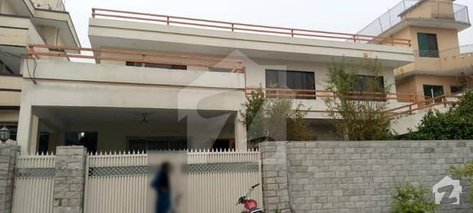 One Kanal Full House For Rent In Police Foundation Islamabad. Residential And Commercial Both Purpose Available For Rent.