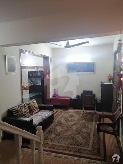 ای ۔ 11 اسلام آباد میں 2 کمروں کا 7 مرلہ پینٹ ہاؤس 1.5 کروڑ میں برائے فروخت۔