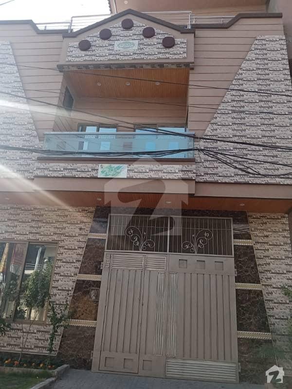 کینال بینک ہاؤسنگ سکیم لاہور میں 5 کمروں کا 5 مرلہ مکان 2 کروڑ میں برائے فروخت۔