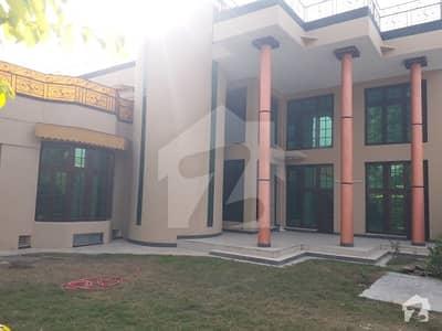 ڈیفینس آفیسر کالونی پشاور میں 10 کمروں کا 2 کنال مکان 13.5 کروڑ میں برائے فروخت۔
