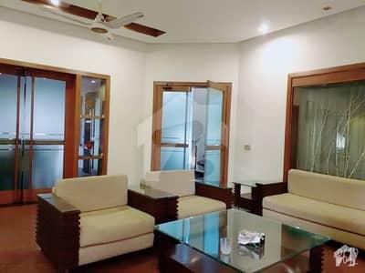 گلبرگ لاہور میں 2 کمروں کا 10 مرلہ مکان 50 ہزار میں کرایہ پر دستیاب ہے۔