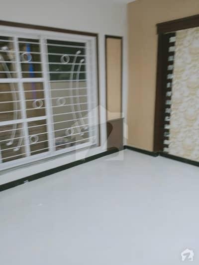 لیک سٹی - سیکٹر M7 - بلاک سی لیک سٹی ۔ سیکٹرایم ۔ 7 لیک سٹی رائیونڈ روڈ لاہور میں 4 کمروں کا 5 مرلہ مکان 1.35 کروڑ میں برائے فروخت۔