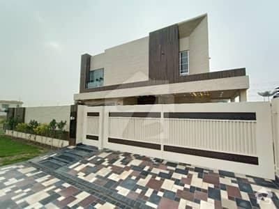 ڈی ایچ اے فیز 6 - بلاک ایل فیز 6 ڈیفنس (ڈی ایچ اے) لاہور میں 5 کمروں کا 1 کنال مکان 7.1 کروڑ میں برائے فروخت۔