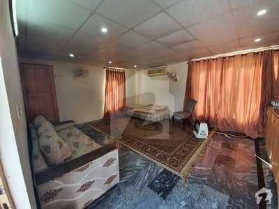 ای ۔ 11/2 ای ۔ 11 اسلام آباد میں 1 کمرے کا 1 مرلہ کمرہ 25 ہزار میں کرایہ پر دستیاب ہے۔