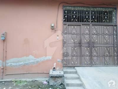نادِر آباد کینٹ لاہور میں 3 کمروں کا 3 مرلہ مکان 70 لاکھ میں برائے فروخت۔