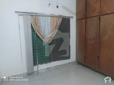 1 Room Available For Rent In R1 Johar Town Only Job Holders
