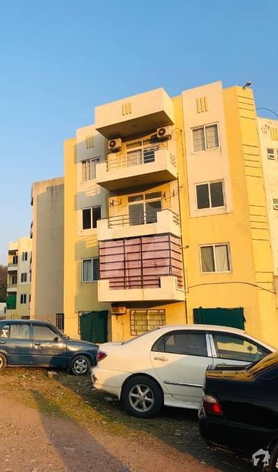چتر اسلام آباد میں 2 کمروں کا 8 مرلہ فلیٹ 62 لاکھ میں برائے فروخت۔