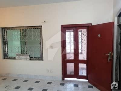جی ۔ 6/1 جی ۔ 6 اسلام آباد میں 2 کمروں کا 8 مرلہ بالائی پورشن 50 ہزار میں کرایہ پر دستیاب ہے۔