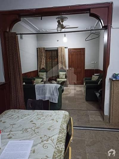 جی ۔ 11/1 جی ۔ 11 اسلام آباد میں 5 کمروں کا 8 مرلہ مکان 3.2 کروڑ میں برائے فروخت۔