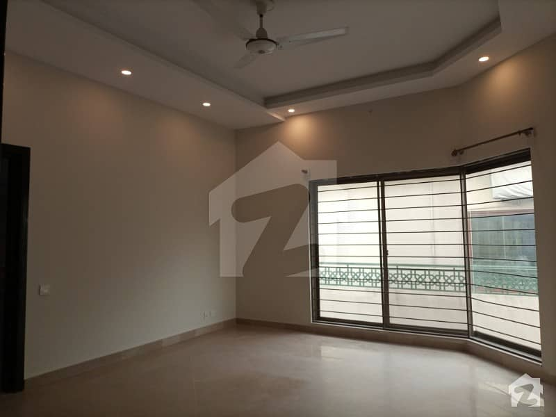 In E-11 House For Sale Sized 40*50 Square Feet