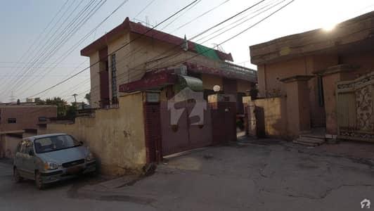 نیو لالہ زار راولپنڈی میں 7 کمروں کا 1.75 کنال مکان 4.2 کروڑ میں برائے فروخت۔