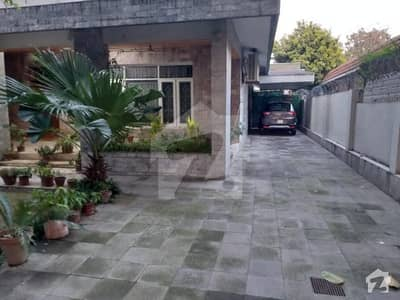 E-7 Fully Furnished 3 Bedrooms Upper Portion Available For Rent