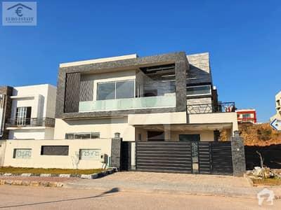بحریہ ٹاؤن فیز 8 بحریہ ٹاؤن راولپنڈی راولپنڈی میں 7 کمروں کا 1 کنال مکان 3.85 کروڑ میں برائے فروخت۔