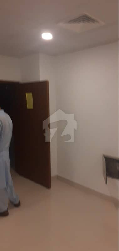 600 Sft  Office For Sale In Giga Mall