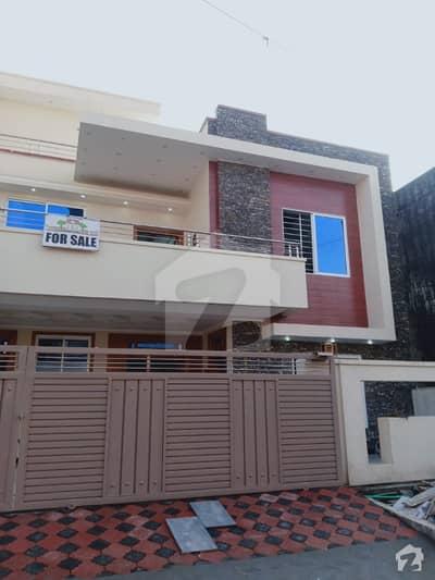 سوان گارڈن اسلام آباد میں 6 کمروں کا 10 مرلہ مکان 2.1 کروڑ میں برائے فروخت۔