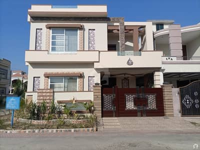 6 Marla Spacious House Available In DC Colony For Sale