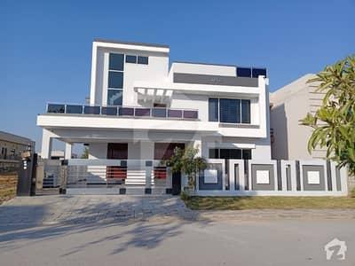 ڈی ایچ اے ڈیفینس فیز 2 ڈی ایچ اے ڈیفینس اسلام آباد میں 6 کمروں کا 1 کنال مکان 5.75 کروڑ میں برائے فروخت۔
